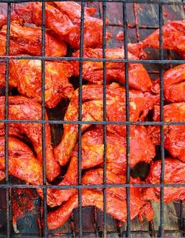 Frango grelhado em molho de achiote vermelho tikinchik maia