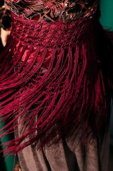 Franjas de xale de manila vermelha close-up