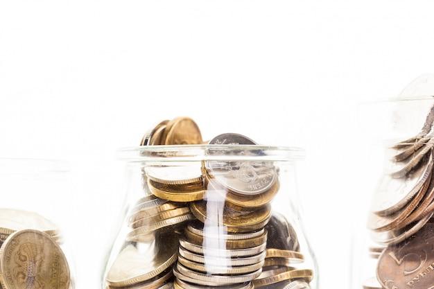Frasco de dinheiro com moedas