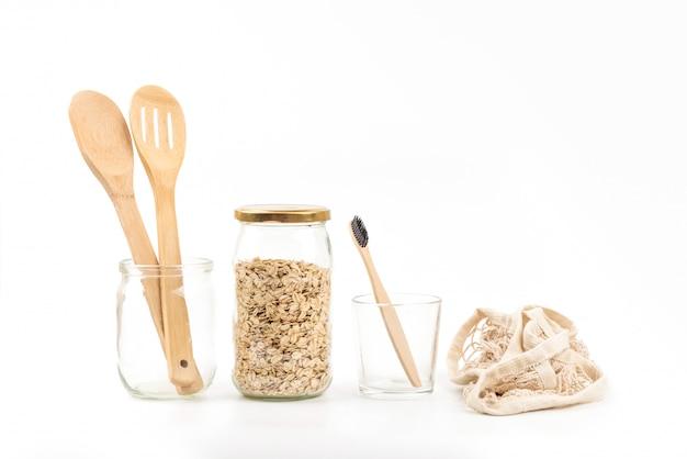 Frasco de pedreiro, talheres de bambu e escova de dentes, copo menstrual. kit de desperdício zero. eco amigável