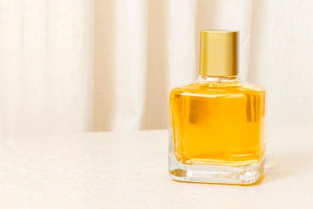 Frasco de perfume, produto de beleza sem rótulo