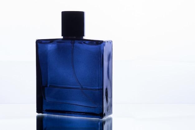 Frasco de perfume quadrado