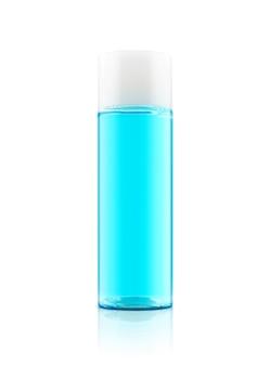Frasco de toner azul de embalagem em branco para maquete de design de produto cosmético isolado no fundo branco com traçado de recorte