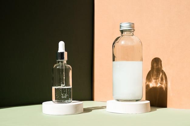 Frasco de vidro conta-gotas mockup tratamento corporal e spa produtos de beleza natural eco creme soro cuidados com a pele ...
