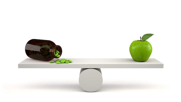 Frasco de vitamina com pílulas e maçã verde em escalas de equilíbrio