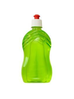 Frasco plástico com detergente verde isolado em um fundo branco. o conceito de limpeza e manutenção da limpeza.