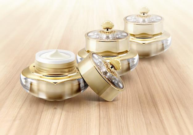 Frascos de cosméticos de coroa dourada