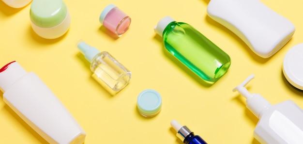 Frascos de cosméticos de tamanhos diferentes