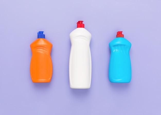 Frascos de detergente detergentes e conceito de lavanderia produtos químicos domésticos para limpeza líquido químico para lavagem