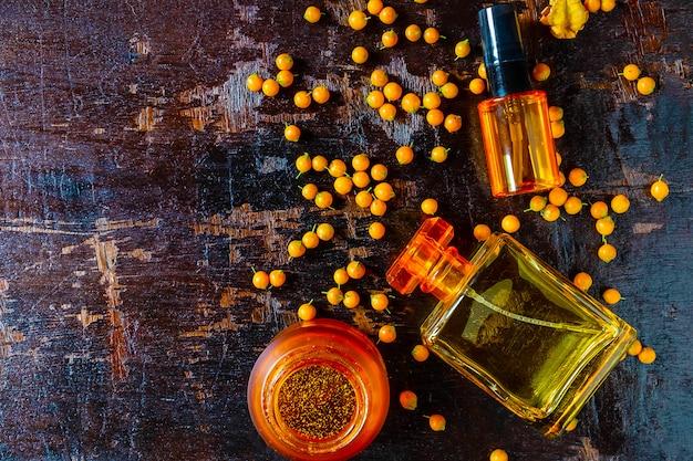 Frascos de perfume e perfume para mulher