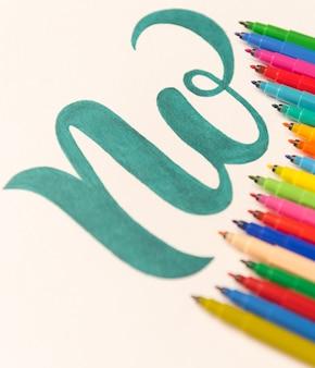 Frase desenhada mão não isolado na folha em branco