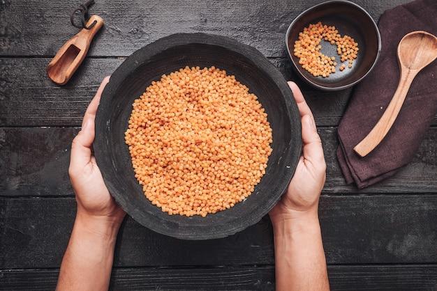 Fregola sarda, uma massa tradicional da sardenha, semelhante ao cuscuz