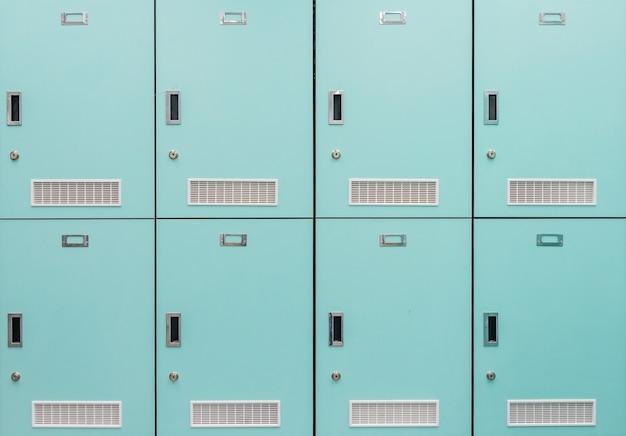Frente, vista, pilha, primavera, verde, metal, escola, lockers