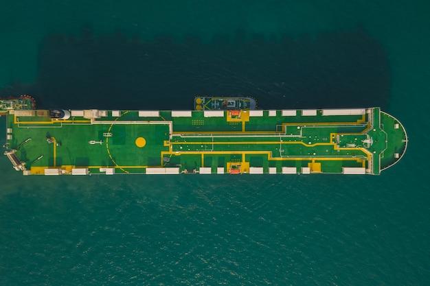 Frete carregando carros internacional mar aberto
