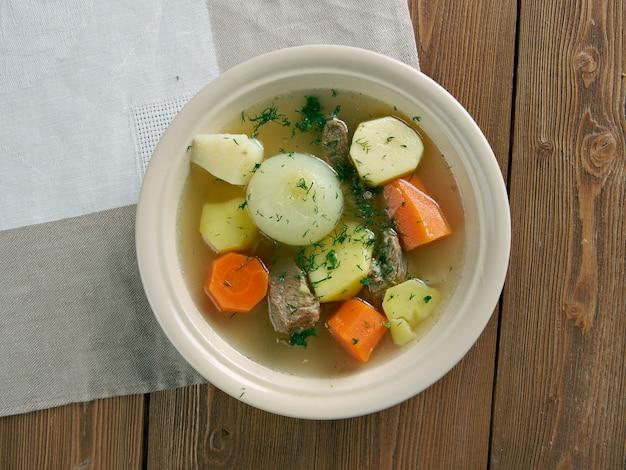 Fricot - guisado, prato acadiano tradicional. consiste em batatas, cebolas e qualquer outra carne. cozinha canadense