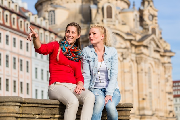 Friends at dresden frauenkirche