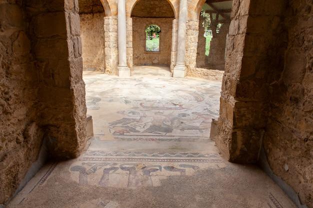 Frigidarium. villa romana del casale, piazza armerina