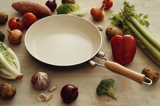 Frigideira com legumes