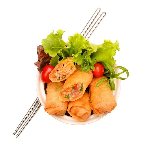 Frito chinês tradicional primavera rolos comida vista superior.