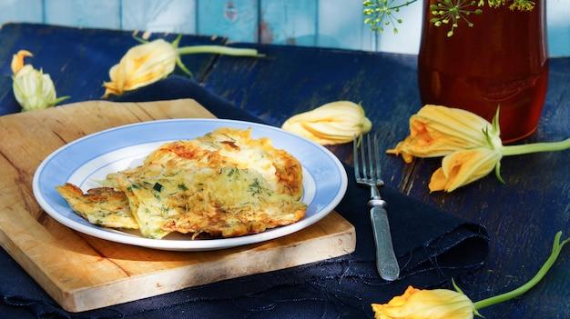 Frito recheado flores de abobrinha - fiori di zucca fritti