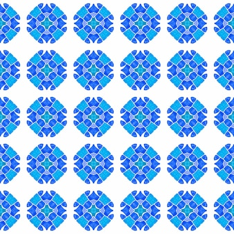 Fronteira sem emenda de mosaico verde desenhada de mão. projeto chique do verão do boho lindo azul. impressão simpática pronta para têxteis, tecido para biquínis, papel de parede, embrulho. padrão sem emenda em mosaico.