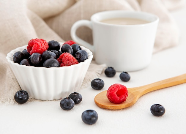 Fruta da floresta para torta e café