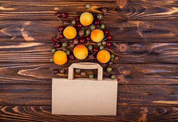 Fruta de alimentos saudáveis no conceito de compras de supermercado de supermercado zero resíduos