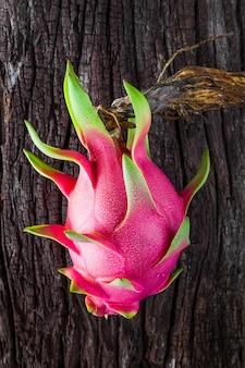 Fruta do dragão fresca da árvore