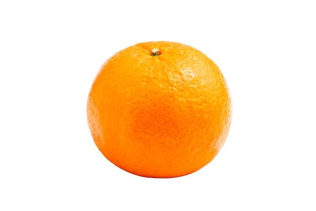 Fruta fresca de laranja natural em fundo branco isolado