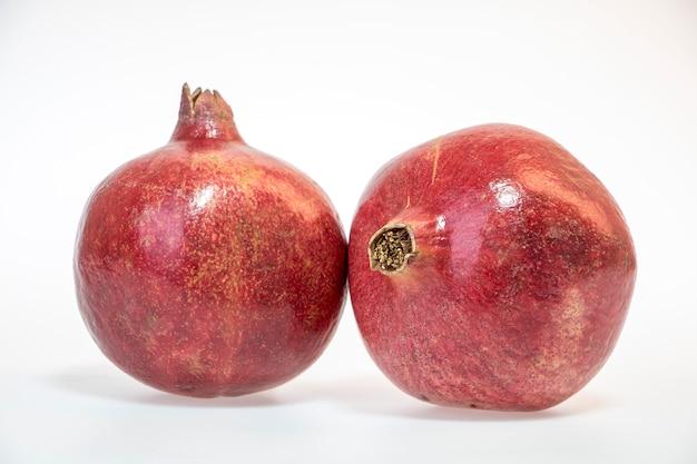 Fruta fresca e deliciosa isolada