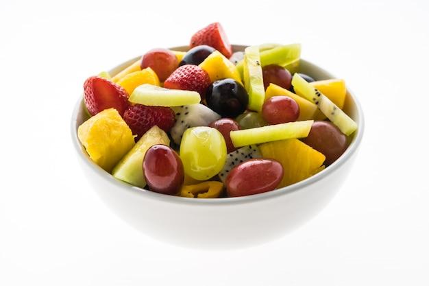 Fruta misturada em chapa branca
