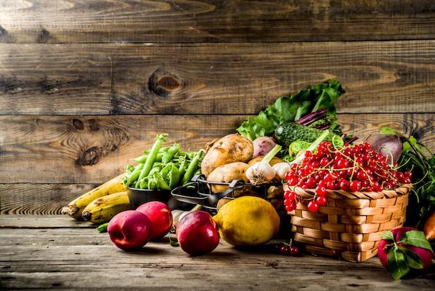 Frutas, bagas e legumes frescos