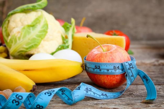 Frutas e legumes, fita métrica