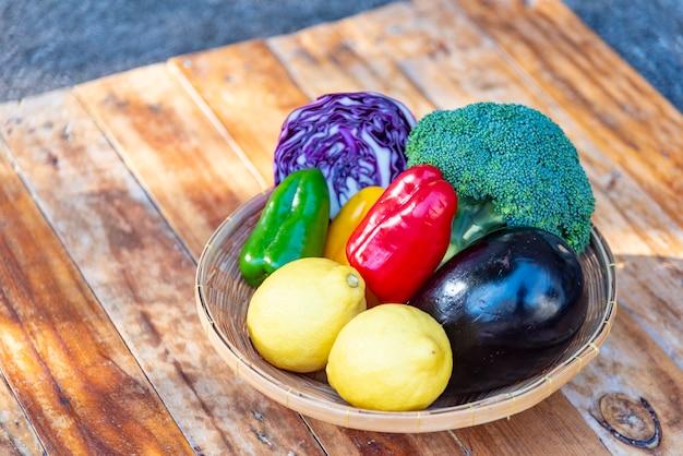 Frutas e vegetais frescos para uma boa saúde