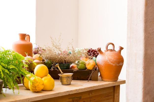 Frutas e vegetais na mesa