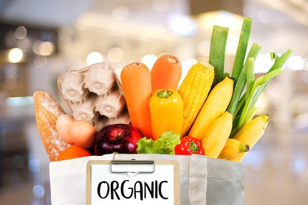 Frutas e vegetais orgânicos compras de supermercado saudável delicious