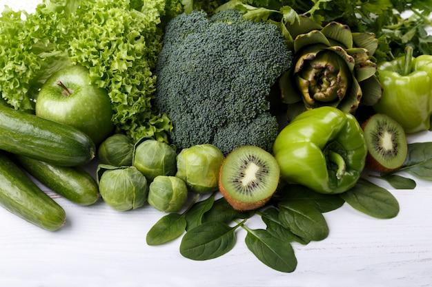 Frutas e vegetais verdes