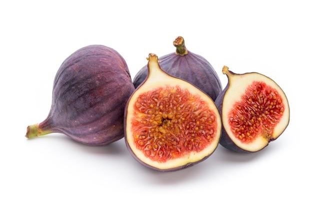 Frutas figos isolados no branco