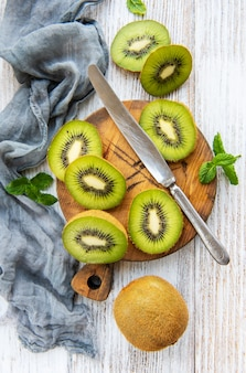 Frutas frescas de kiwi