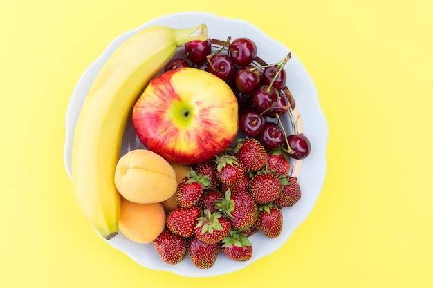 Frutas frescas maduras