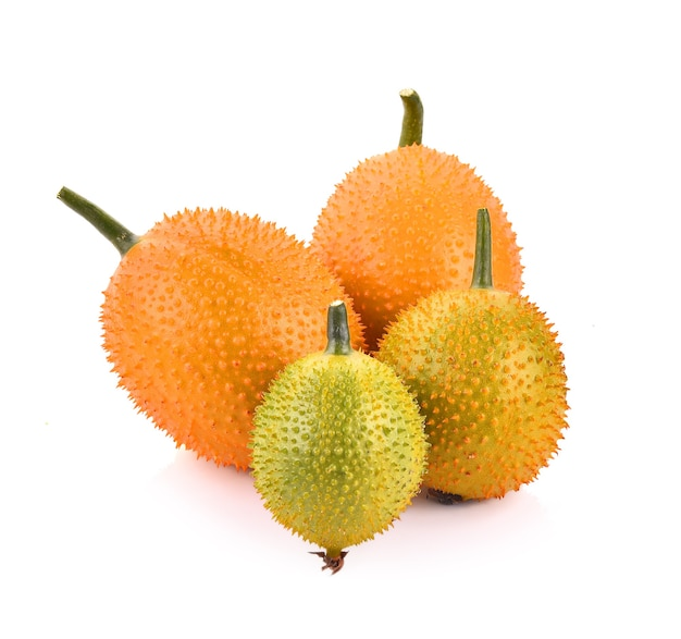 Frutas gac, baby jackfruit, spiny bitter gourd, sweet grourd ou cochinchin gourd