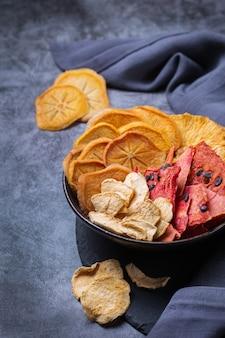 Frutas secas desidratadas caqui melancia abacaxi chips de maçã