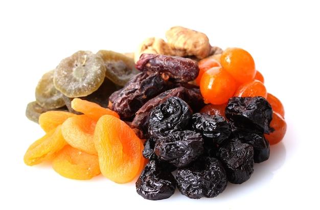Frutas secas em branco