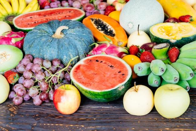 Frutas sortidas e mistas