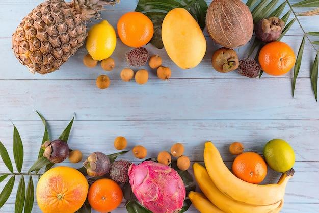 Frutas tropicais e bagas