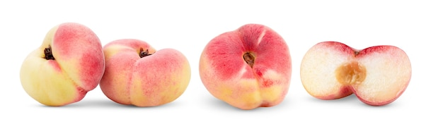 Fruto de pêssego liso chinês maduro isolado no fundo branco