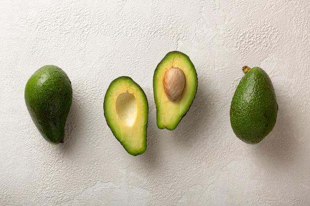 Frutos de abacate maduros e saborosos
