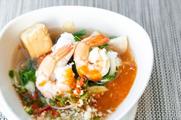 Frutos do mar sukiyaki tailandês