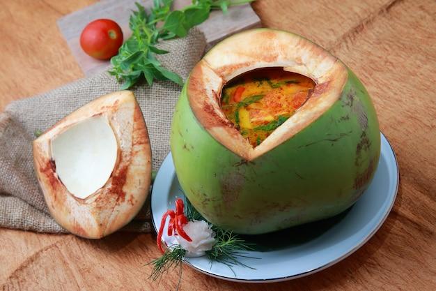 Frutos do mar tom coco yum