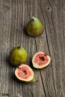 Frutos maduros de figo